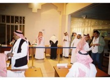 Saudi men vote in the Riyadh municipal elections