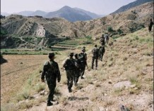Patrol on Afghan-Pak border 2003